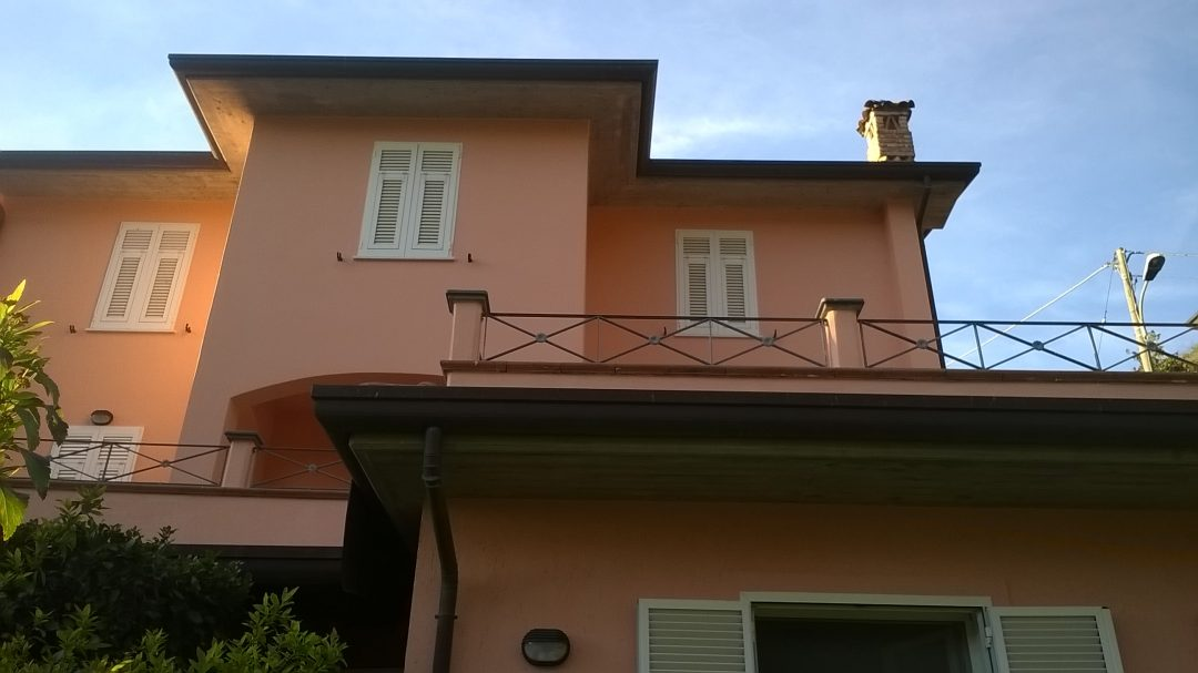 Ristrutturazione di una villa unifamiliare a Montignoso (MS)
